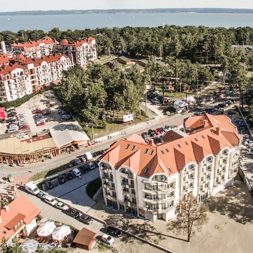 WHITE HOTEL <br />KRYNICA MORSKA <br />UL. KORCZAKA-3